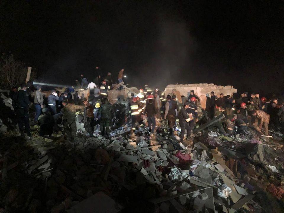 В жилые кварталы одного из крупнейших городов Азербайджана попали две ракеты: 12 человек погибли и более 40 ранены (ФОТО, ВИДЕО) 5