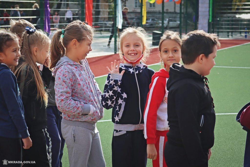 В николаевской школе №53 открыли сразу 4 реконструированных спортивных объекта (ФОТО) 3