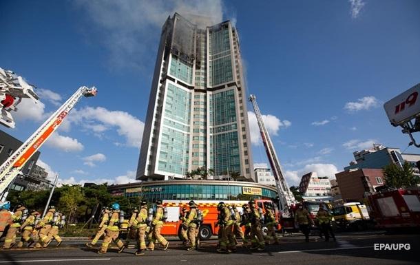 В Южной Корее за несколько часов сгорел 33-этажный небоскреб (ВИДЕО)