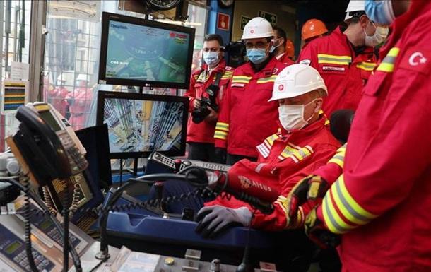 Турки нашли в Черном море новые запасы газа (ВИДЕО)