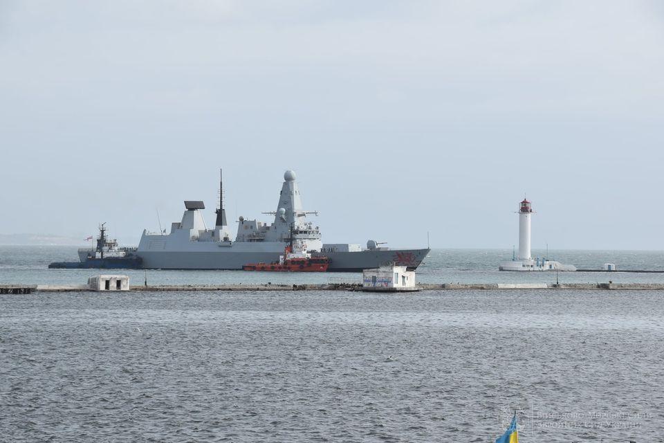 """В Одесский порт зашел эсминец Королевских ВМС Великобритании """"Dragon"""" (ФОТО) 5"""