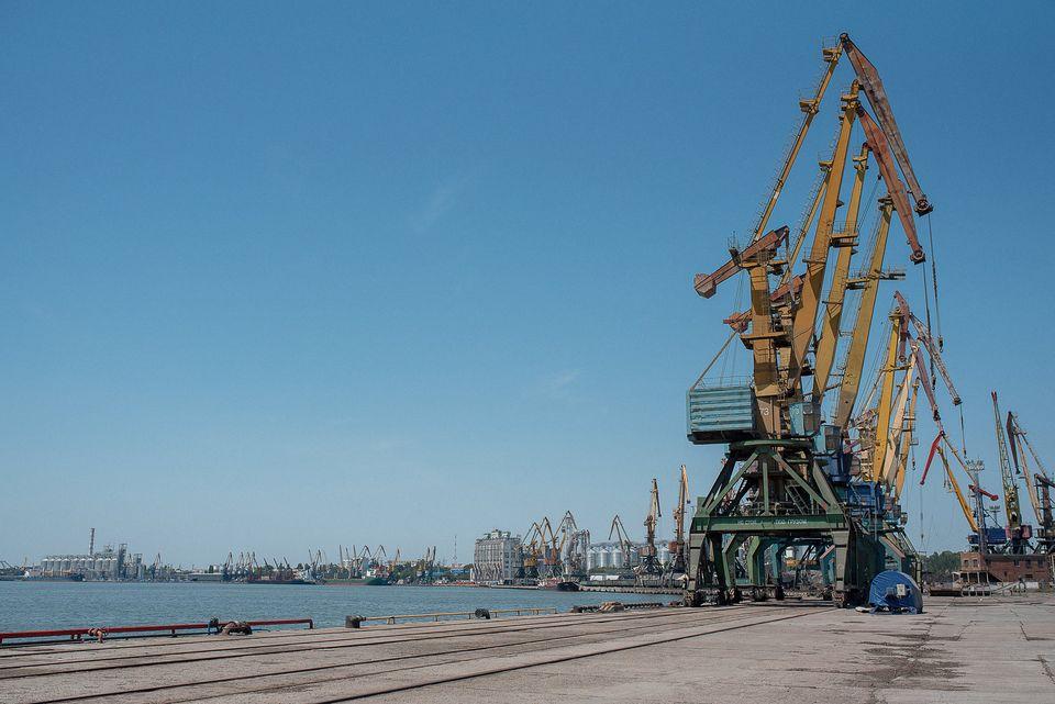 На судне, уходившем из порта Николаева, таможенники нашли незадекларированную краску на 900 тыс.грн. (ФОТО) 5