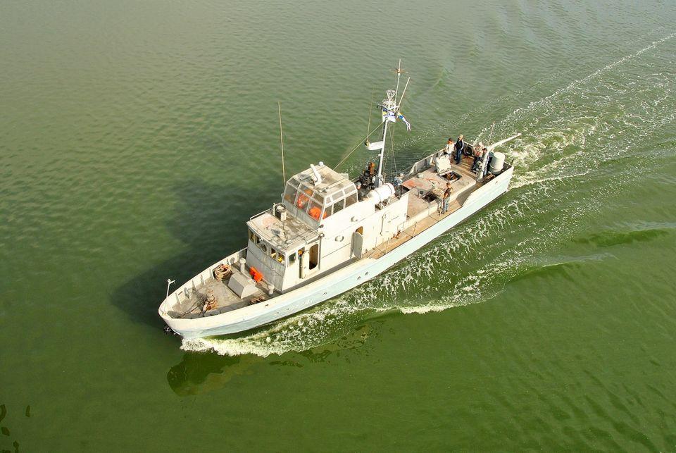 Николаевский судостроительный завод на месяц раньше срока завершил ремонт противодиверсионного катера ВМС (ФОТО) 5