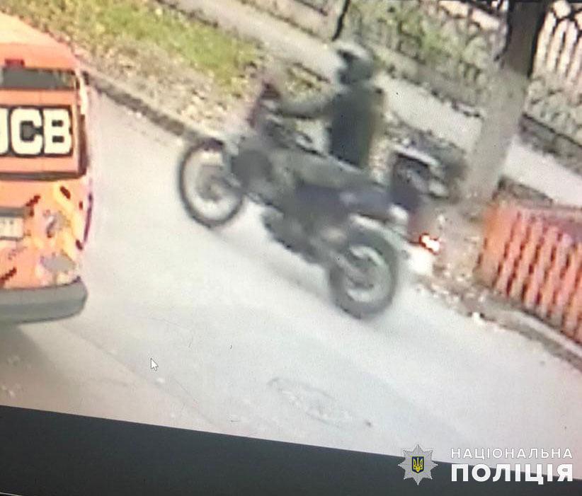 В Николаеве сбил пешеходов и скрылся с места происшествия - полиция ищет злоумышленника (ФОТО) 5
