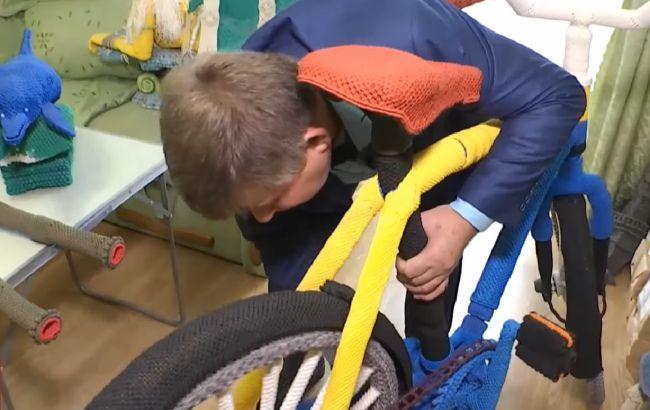 Украинский мастер макраме связал велосипед и попал в Книгу рекордов (ВИДЕО)