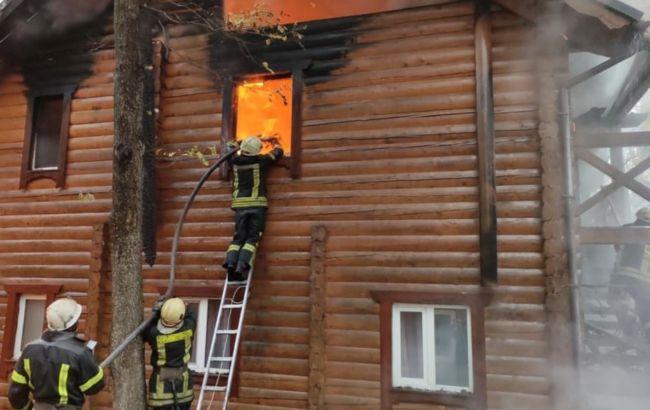 В Житомирской области загорелся гостинично-ресторанный комплекс