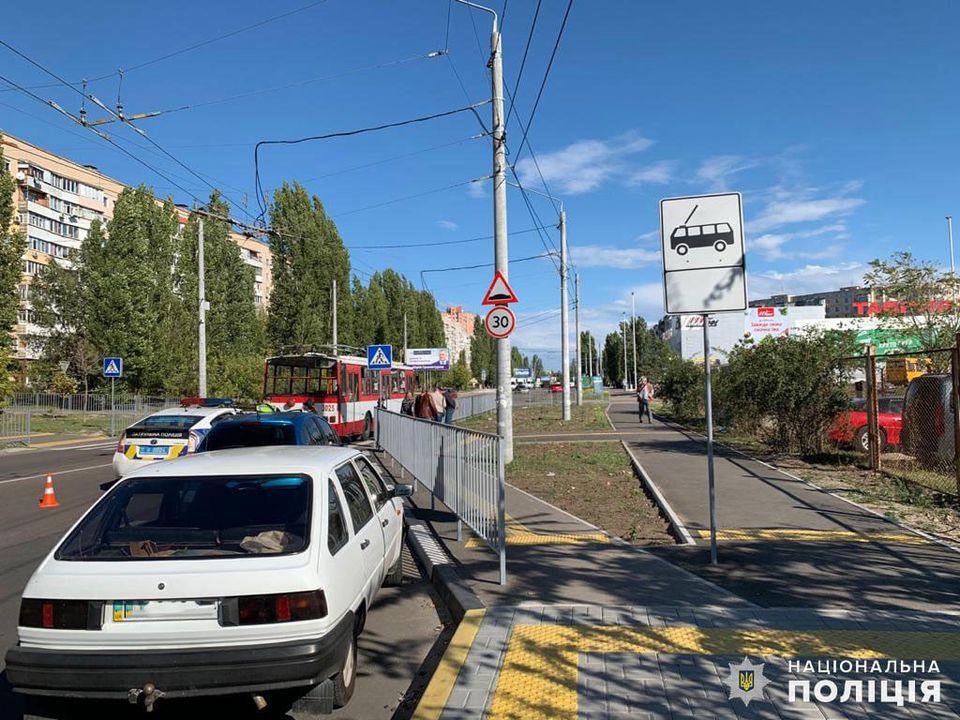 Полиция ищет свидетелей двух сегодняшних ДТП в Николаеве с участием пешеходов (ФОТО) 7