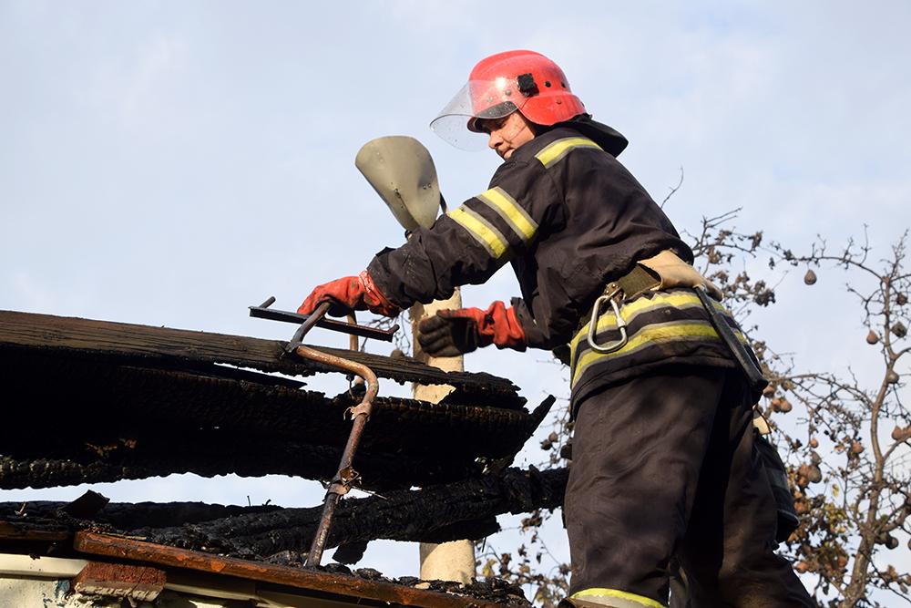 В Широкой Балке горел дачный домик (ФОТО, ВИДЕО) 7