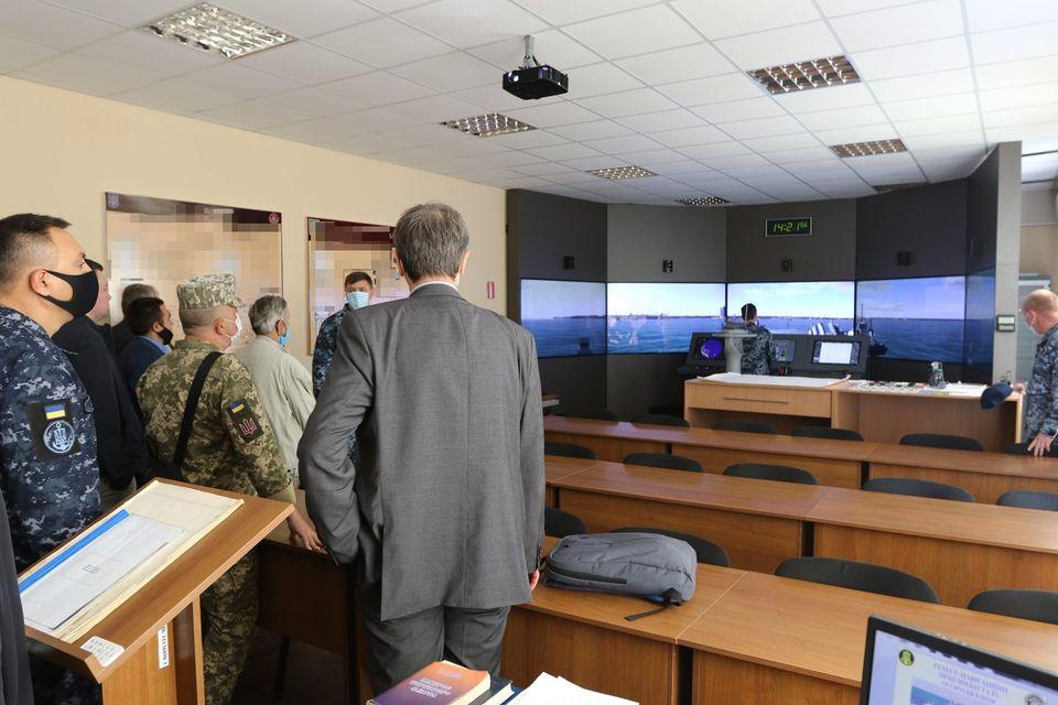 «С завода должна выйти боевая единица, способная выполнять боевую задачу» - командующий ВМС в Николаеве (ФОТО) 11