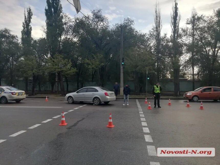 В Николаеве водитель «Шевроле» сбил бабушку: на проспекте Богоявленском образовалась пробка (ФОТО) 5