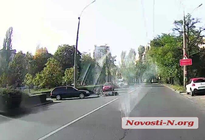 В Николаеве водитель сбил пенсионера на велосипеде и откупился деньгами (ВИДЕО)