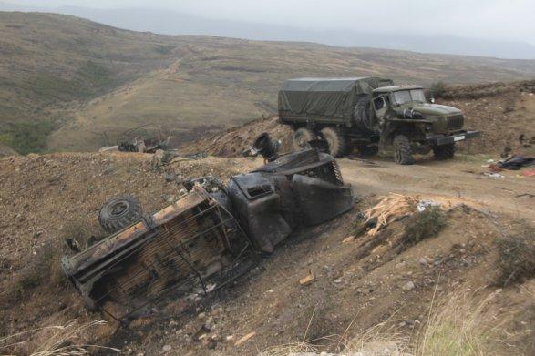 Азербайджан заявил о прорыве линии обороны в Нагорном Карабахе (ФОТО) 3