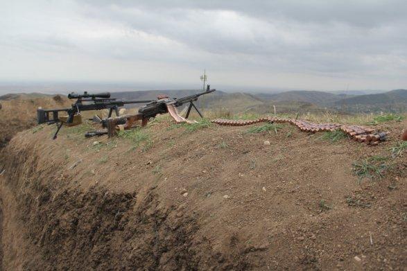 Азербайджан заявил о прорыве линии обороны в Нагорном Карабахе (ФОТО) 9