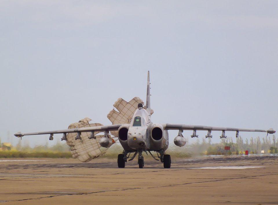 Николаевские летчики отработали очередную летную смену (ФОТО) 13