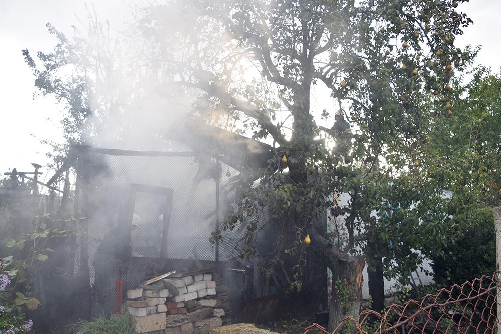 В Широкой Балке горел дачный домик (ФОТО, ВИДЕО) 11