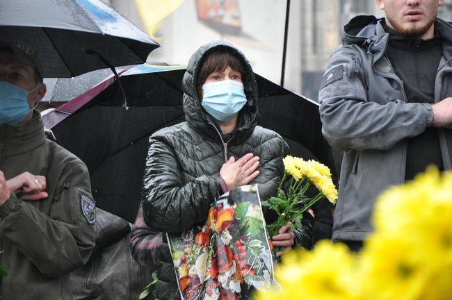 С совершившим самосожжение ветераном Микитенко попрощались на Майдане (ФОТО) 25