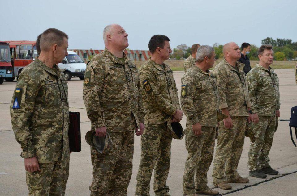 7 октября в Николаеве попрощаются с двумя погибшими в авиакатастрофе Ан-26 курсантами (ФОТО) 1