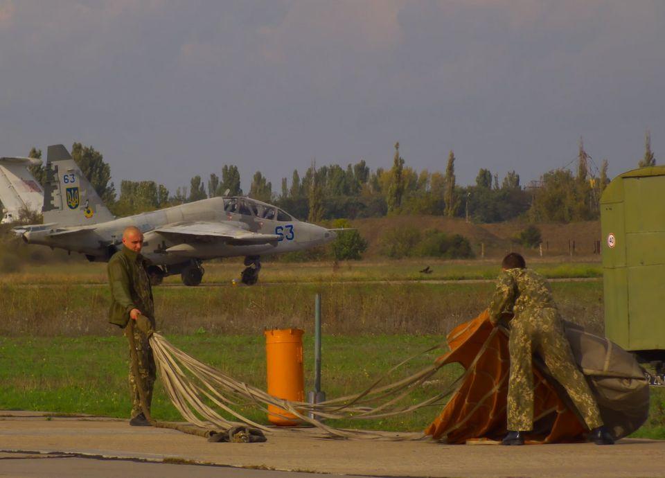 Николаевские летчики отработали очередную летную смену (ФОТО) 17