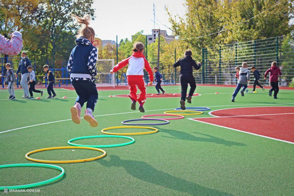 В николаевской школе №53 открыли сразу 4 реконструированных спортивных объекта (ФОТО) 15