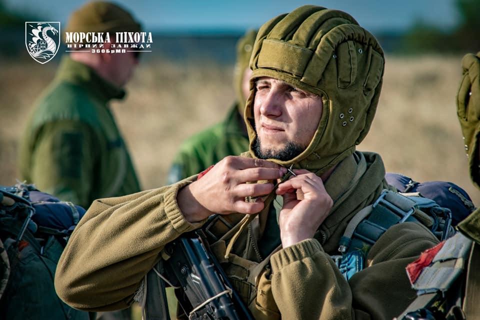Николаевские морпехи отработали на Донетчине десантирование парашютным способом (ФОТО) 17