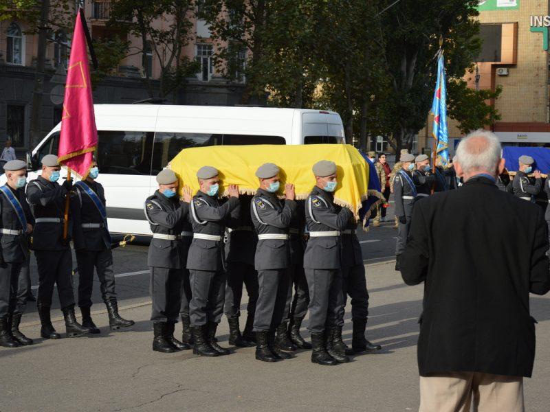Компенсации семьям жертв катастрофы АН-26 начнут выплачивать после 15 октября