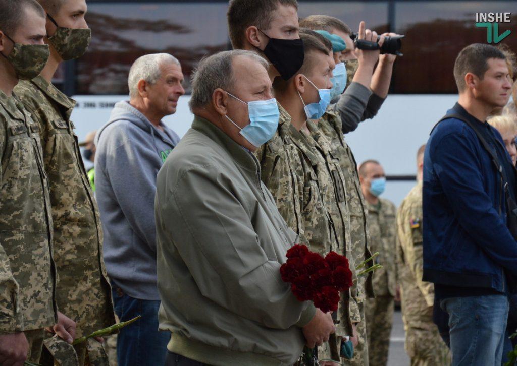 Сотни николаевцев пришли проститься с погибшими при крушении Ан-26 курсантами (ФОТО, ВИДЕО) 13