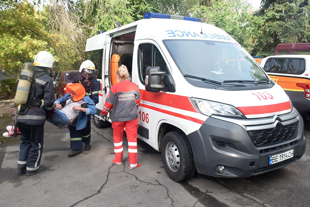 Николаевские спасатели потушили «пожар» в ДК «Строителей» (ФОТО, ВИДЕО) 9