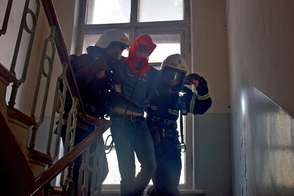 Николаевские спасатели потушили «пожар» в ДК «Строителей» (ФОТО, ВИДЕО) 11