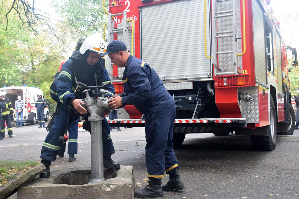 Николаевские спасатели потушили «пожар» в ДК «Строителей» (ФОТО, ВИДЕО) 13