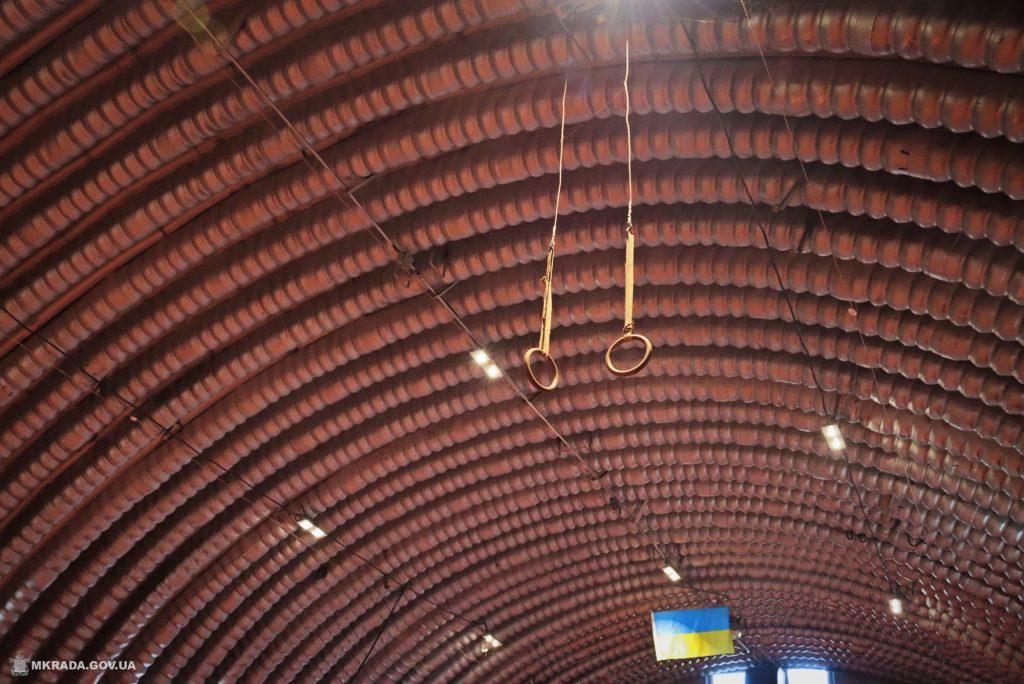 Современное покрытие и освещение. В Николаеве после ремонта открыли обновленный легкоатлетический манеж (ФОТО) 15