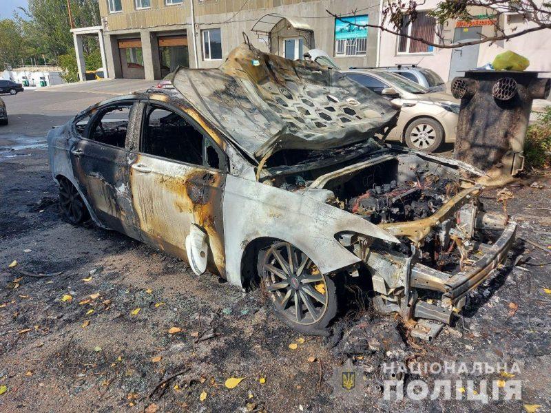 Николаевская полиция расследует поджог машины Жело, которая сгорела ночью на Мореходной (ФОТО)
