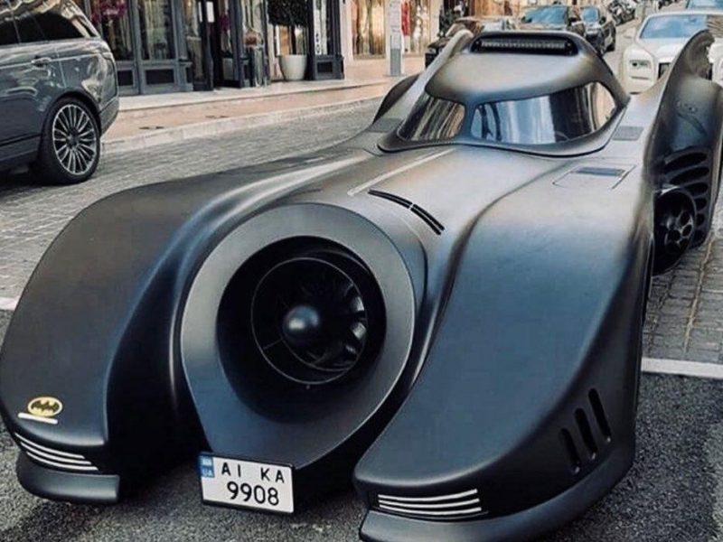 В Монако сняли уникальный бэтмобиль на украинских номерах (ФОТО, ВИДЕО)