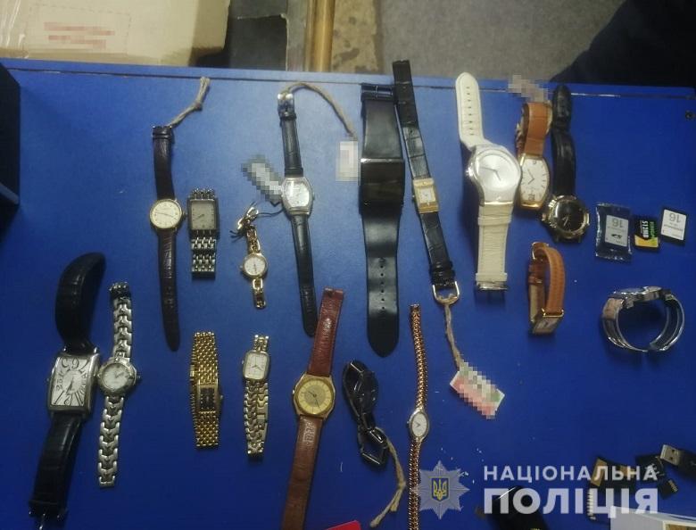 Карманники пытались купить протекцию начальника полиции вокзала Киева (ФОТО, ВИДЕО) 13