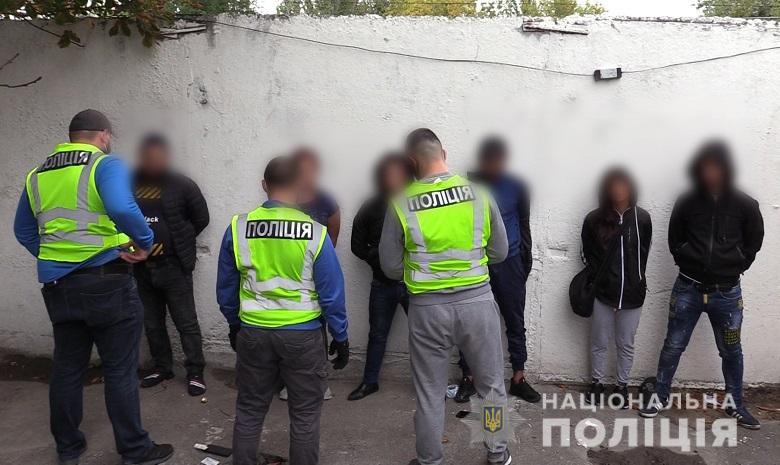 Карманники пытались купить протекцию начальника полиции вокзала Киева (ФОТО, ВИДЕО) 3