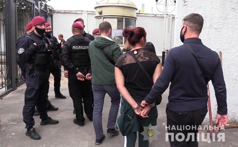 Карманники пытались купить протекцию начальника полиции вокзала Киева (ФОТО, ВИДЕО) 5