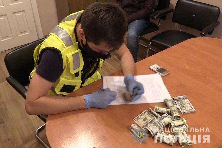 Карманники пытались купить протекцию начальника полиции вокзала Киева (ФОТО, ВИДЕО) 7