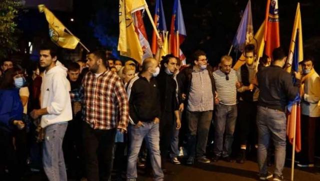 Все оппозиционные партии Грузии, которые прошли в парламент, отказались от мандатов