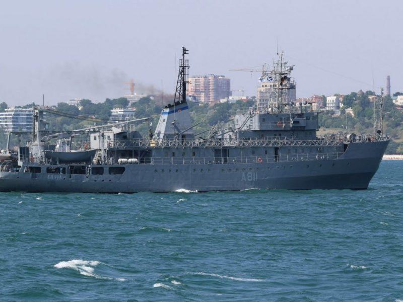 Неподалеку от Николаева проходит ходовые испытания судно ВМС «Балта», отремонтированное ССЗ «НИБУЛОН»