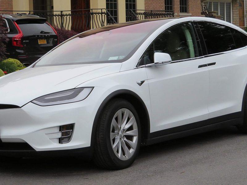 В Tesla Model X обнаружили уязвимости, позволяющие украсть авто за считанные минуты (ВИДЕО)