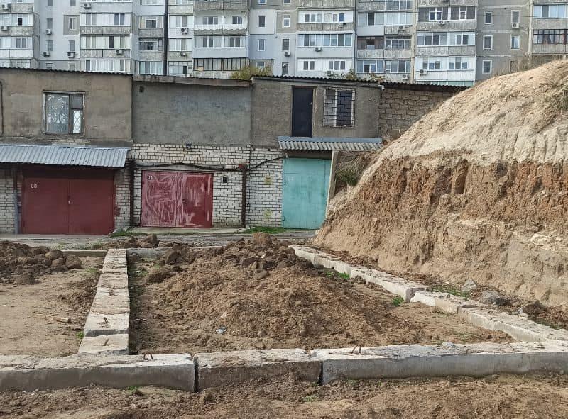В Николаеве выявили незаконное строительство гаражей в охранной зоне электрических сетей (ФОТО)