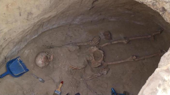 «Был гигантом»: на Хортице нашли захоронение скифского воина (ФОТО)