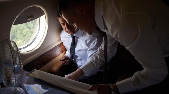 В президентском самолете Зеленского улучшат спутниковую связь за 32 миллиона