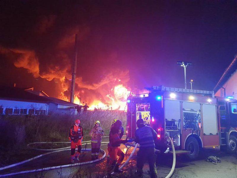 Румыния после масштабного пожара проверит все отделения интенсивной терапии