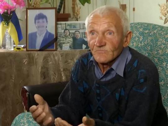 Нелюди среди нас: госисполнители заблокировали в судах дело по краже денег за погибшего в АТО сына со счета отца-пенсионера из Николаева