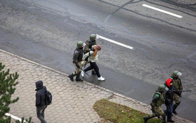 Число задержанных на протестах в Беларуси превысило 500