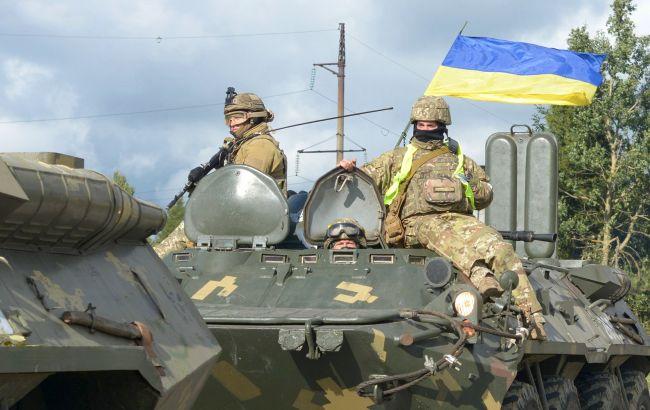 В зоне ООС обострилась ситуация: 8 обстрелов, ранен украинский военный