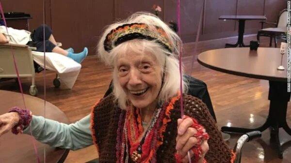 102-летняя американка, пережившая эпидемию испанки, дважды победила COVID-19