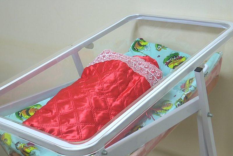 В Вознесенске родителям вручают новорожденных в новогодних конвертах (ВИДЕО)