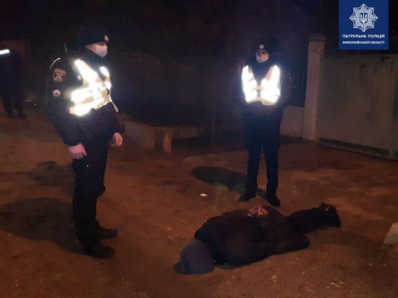 В Николаеве патрульные догнали молодого николаевца, который в драке нанес ножевые ранения шеи и головы другому мужчине (ФОТО)