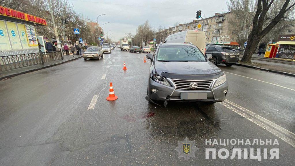 В Николаеве на пешеходном переходе Lexus сбил мужчину – пострадавший скончался в больнице (ФОТО) 3